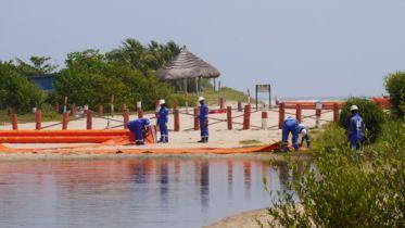 Oil_spill_response_thumb_1067-x-600.jpg